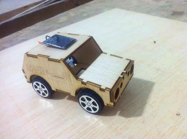 Cotxe solar vailets